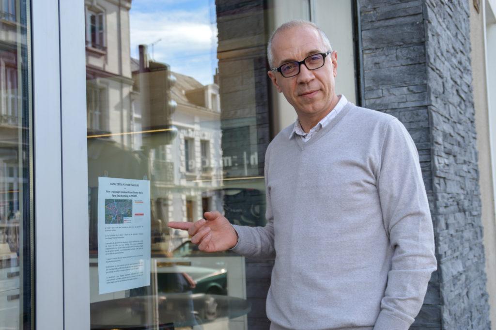 Richard Moreau est à l'initiative d'une pétition pour un passage de la ligne B par le boulevard Jean Royer